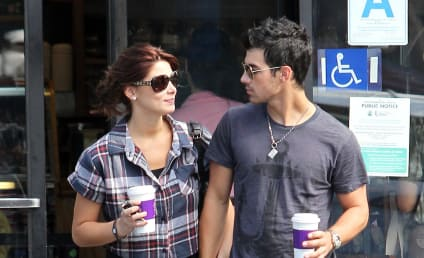 Joe Jonas and Ashley Greene: It's Over!
