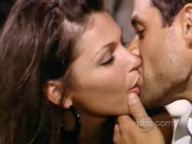 Jason Mesnick Kissing DeAnna Pappas