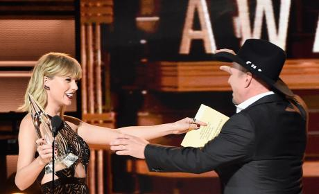 Taylor Swift and Garth Brooks
