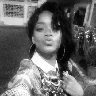 Rihanna Blows ... A Kiss