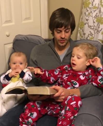 Derick Dillard Reads a Christmas Story