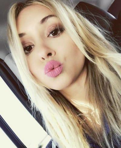 Corinne Olympios, Kiss