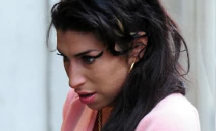 "Amy Winehouse Hospitalized with ""Chest Pains"""
