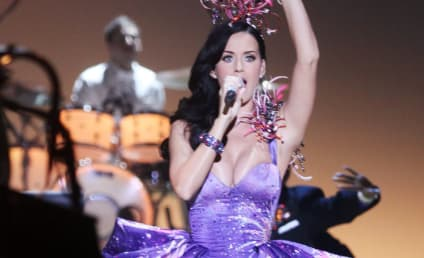 Katy Perry Live at the Victoria's Secret Fashion Show: What's Her Best Look?