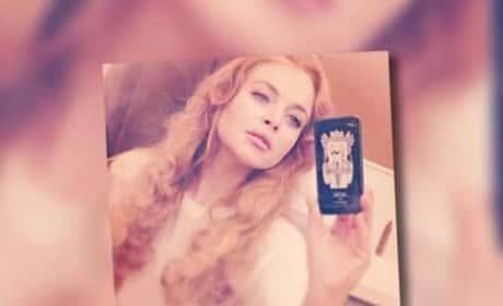 Lindsay Lohan Posts 'Back to Work' Selfie