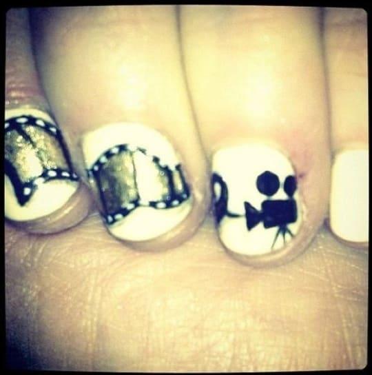 Zooey Deschanel Nails