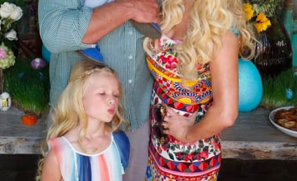 Jessica Simpson: SLAMMED as Bad Mother by Loser Trolls!