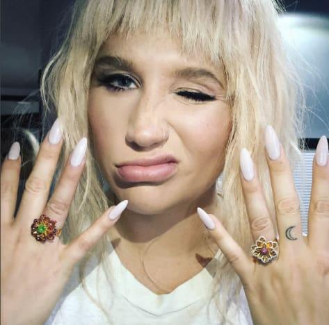 Kesha and her rings