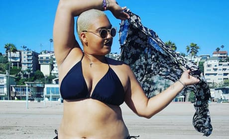 Woman Documents First-Ever Bikini Experience
