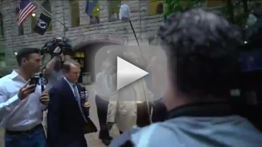 Bill cosby pretending to be blind as rape trial begins