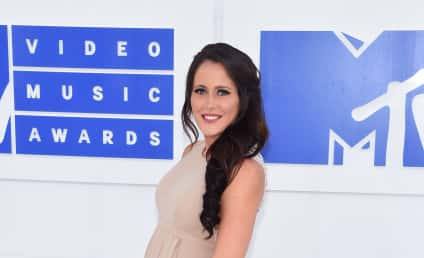 Jenelle Evans: Expecting TWINS?!