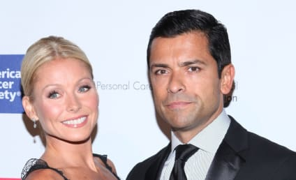 Kelly Ripa to The Grinch: I Don't Know Where that Green Skin Has Been!