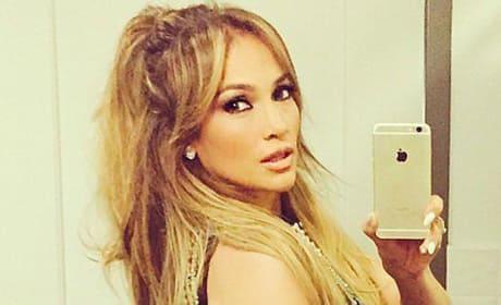 Jennifer Lopez selfie in black