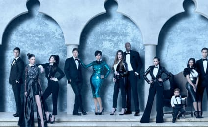 Kardashian Khristmas Kard: It's Here!!!!