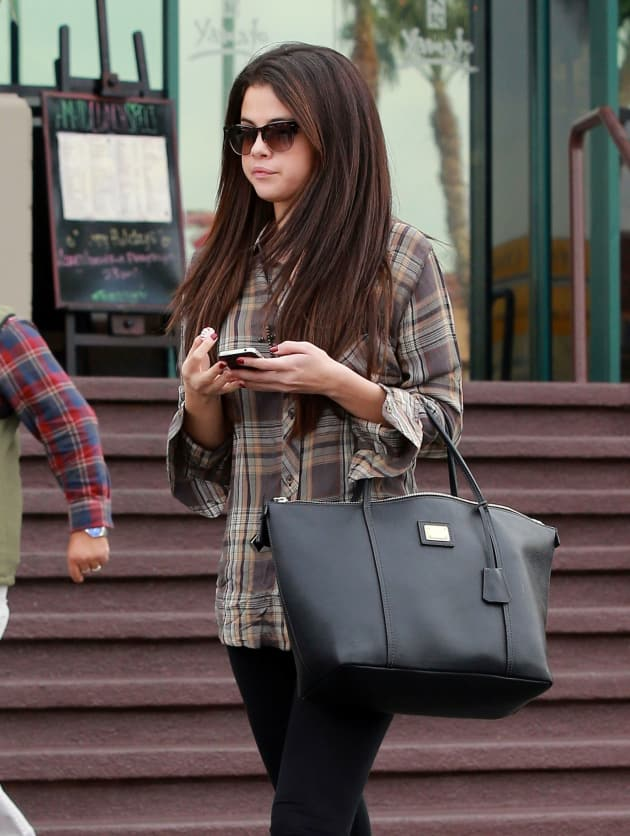 Selena Gomez Walking