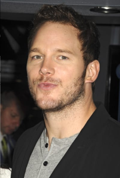Chris Pratt Puckers Up