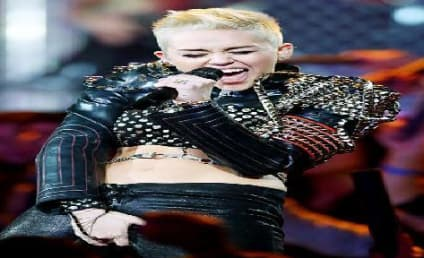 Miley Cyrus Rocks Out, Grabs Crotch at VH1 Divas Concert