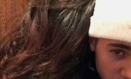 Selena Gomez, Justin Bieber Cuddle Up on Instagram
