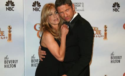 Jennifer Aniston Hearts Gerard Butler