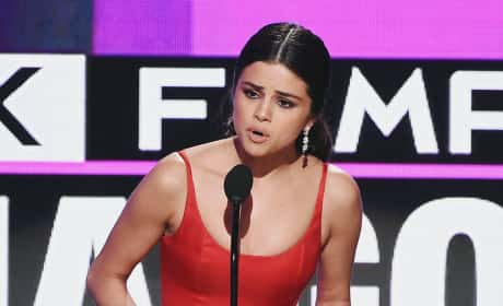 Selena Gomez Speech Pic