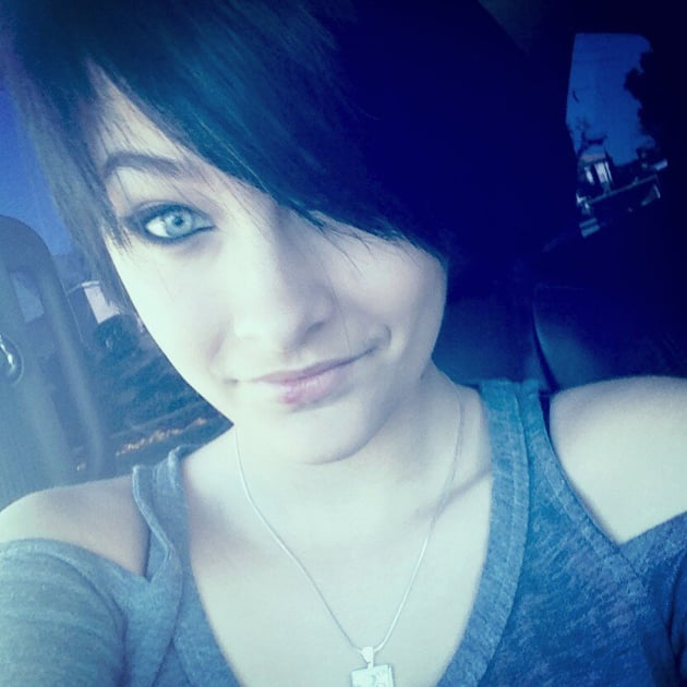 Paris Jackson Checks Into Rehab For