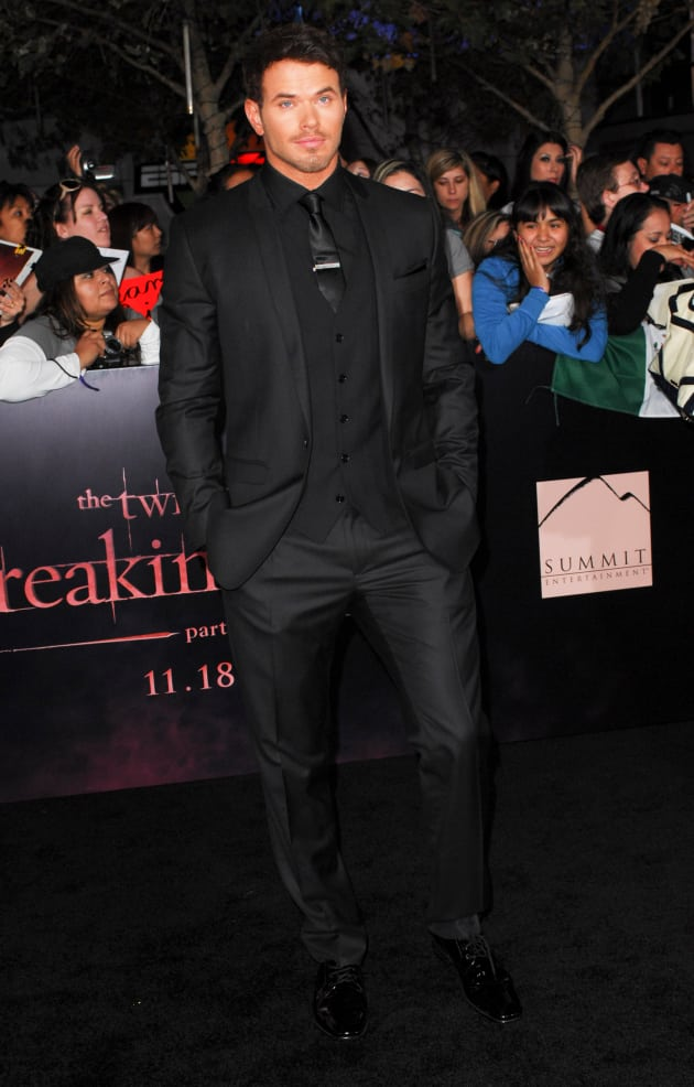 Kellan Lutz at Breaking Dawn Premiere