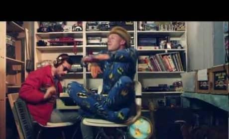 Macklemore & Ryan Lewis - Thrift Shop (Ft. Wanz)