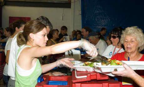 Hilary Duff Serves Food