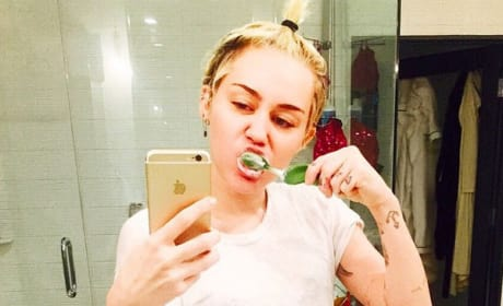 Miley Cyrus: Tooth Brushing, Non-Pants Wearing