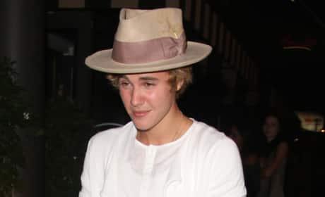 Justin Bieber Wears Ugly Hat