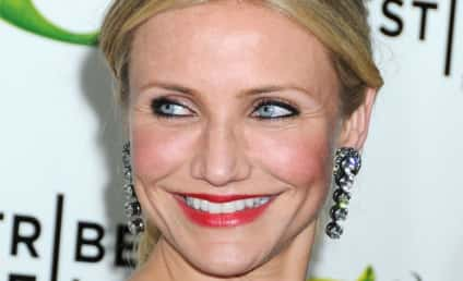 Makeup-less Cameron Diaz Freaks, Flees Cameras