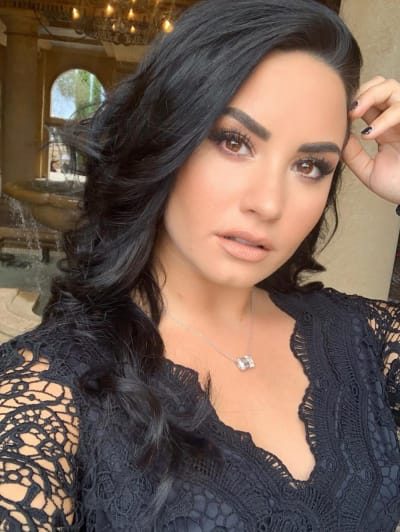 Demi Lovato Hacked; Nude Photos Posted to Snapchat