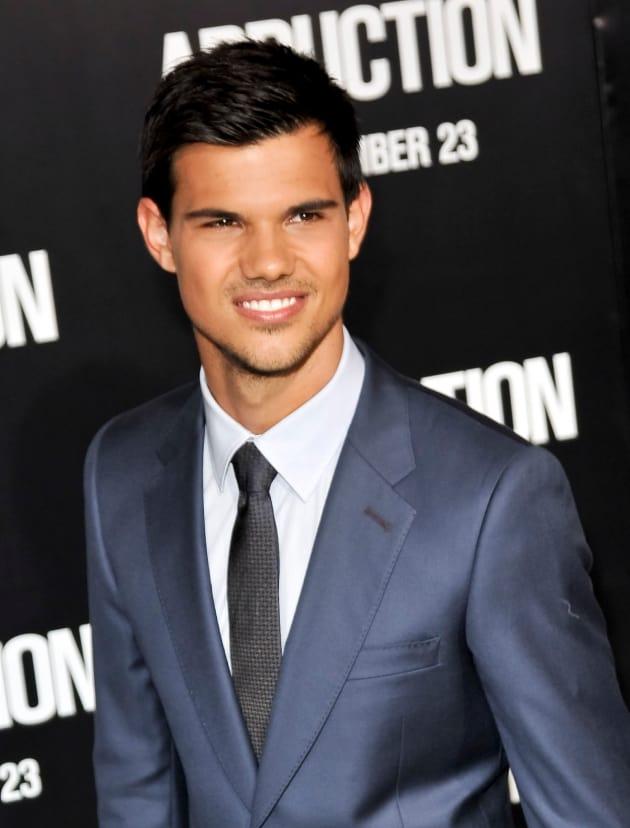 Taylor Lautner Movie Premiere Pic