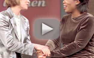 Oprah Winfrey Pays Tribute to Mary Tyler Moore, Breaks Down