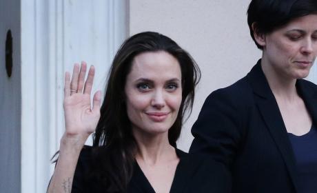 Angelina Jolie: Scary Skinny!