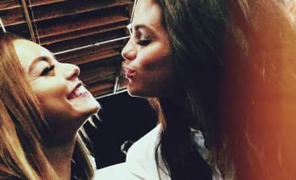 Selena Gomez-Vanessa Hudgens Kiss Photo Posted to Instagram, Life Officially Complete