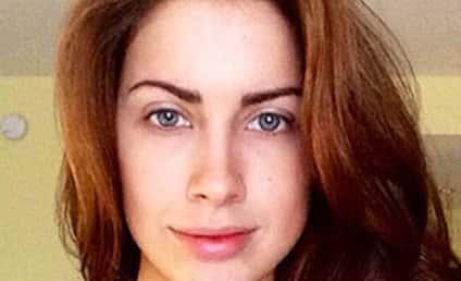 Katherine Webb No Makeup Selfie: Beauty Queen Unmasked, Still Gorgeous!
