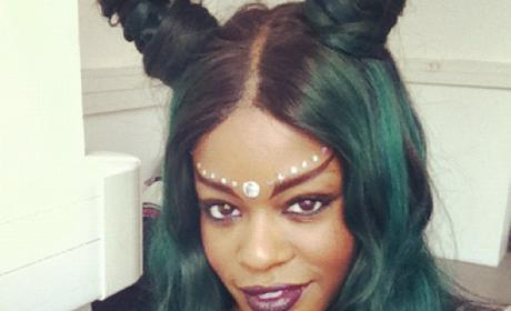 Azealia Banks with Green Hair