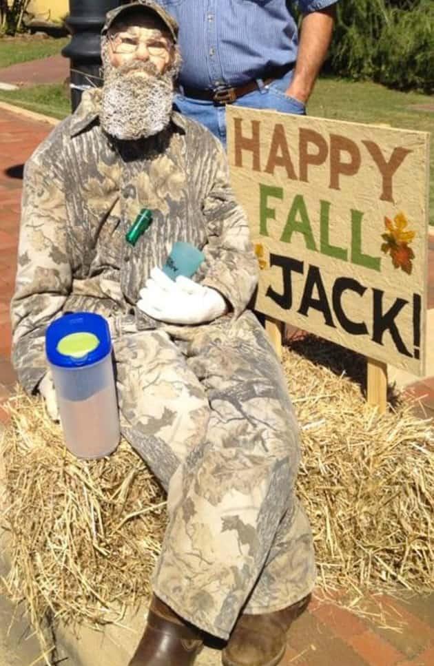 Duck Dynasty Scarecrow