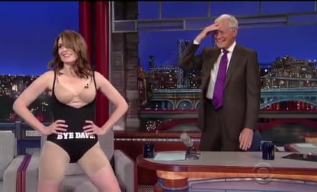 Tina Fey Strips Down on The Late Show