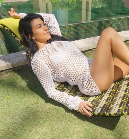 Kourtney Kardashian: Hot While Relaxing