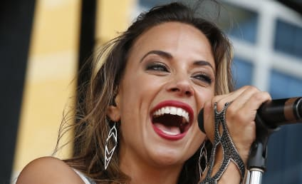 Jana Kramer: Pregnant with First Child!