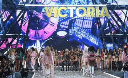 Victoria Secret Fashion Show 2016: Who Looked Best?