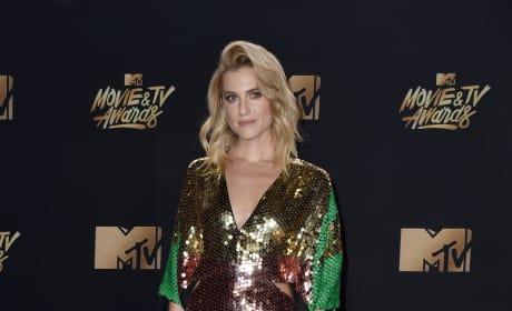 Allison Williams at 2017 MTV Awards