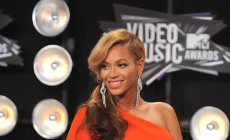 Pregnant Beyonce Picture