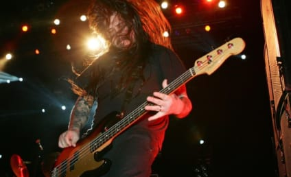 Chi Cheng Dies; Deftones Bassist Was 42