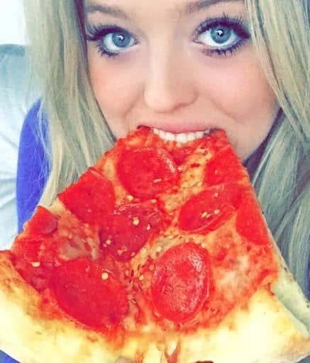 Tiffany Trump Eating Pizza