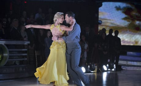 Heather Morris Elimination Leaves Dancing with the Stars Fans Stunned, Confounded