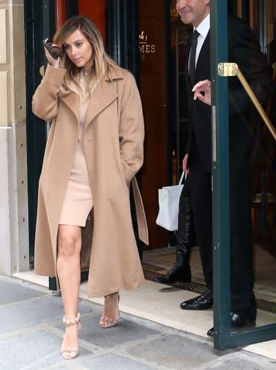 Kim Kardashian in Short Skirt