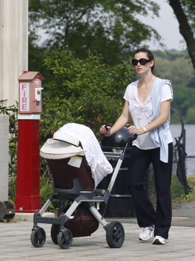 Jennifer Garner Pushes Stroller
